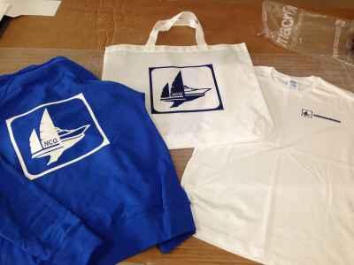 "T-shirt, felpe e borse ""Nautica Cala Galera"""